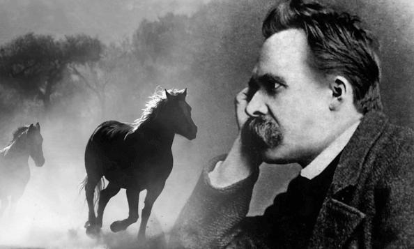 Nietzsche con caballo