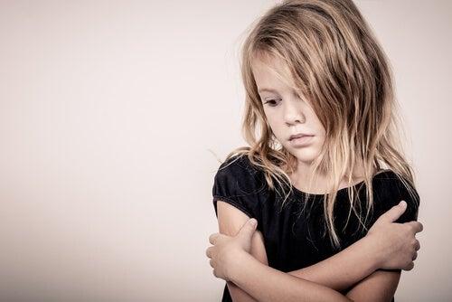 Hiperniños, hijos de la protección excesiva y el estrés