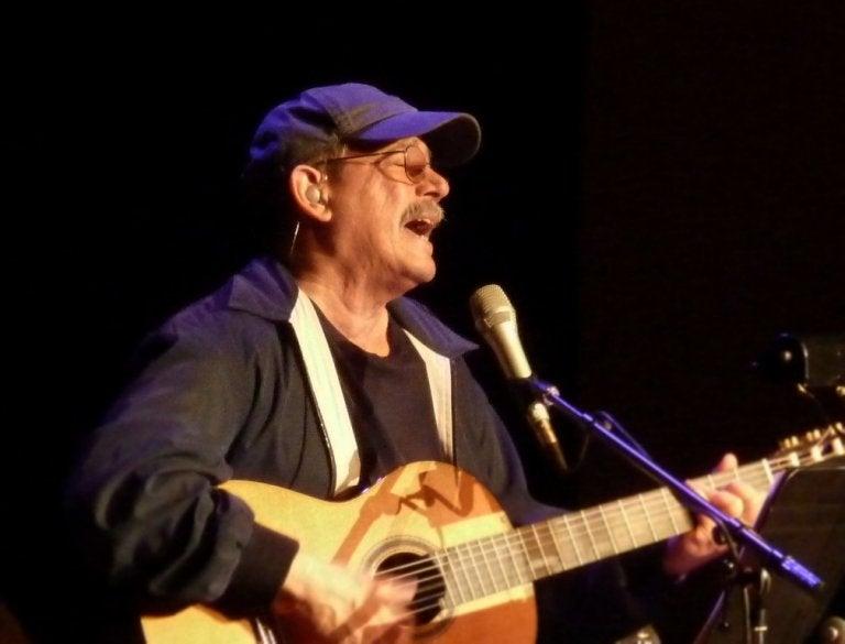 Frases para pensar cantadas por Silvio Rodríguez