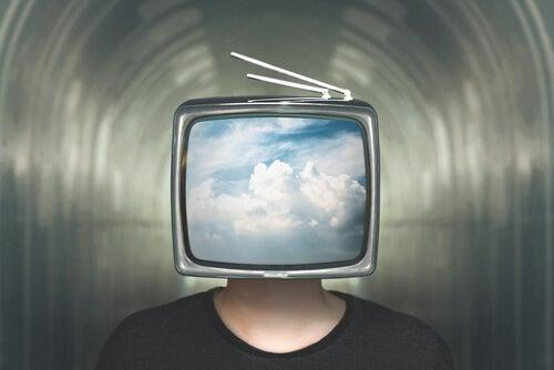hombre con tele en la cabeza simbolizando los síntomas de depresión