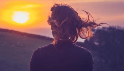 3 beneficios de hablar solo