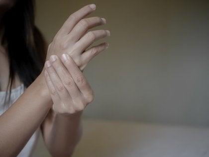 Emociones negativas y artritis reumatoide, ¿cuál es su relación?