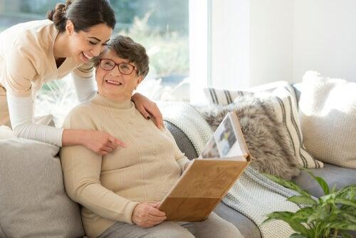 Terapia no farmacológica para demencia tipo Alzheimer