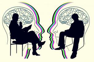 paciente y psicólogo trabajando en la efectividad terapéutica