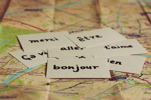 Palabras escritas en varios idiomas