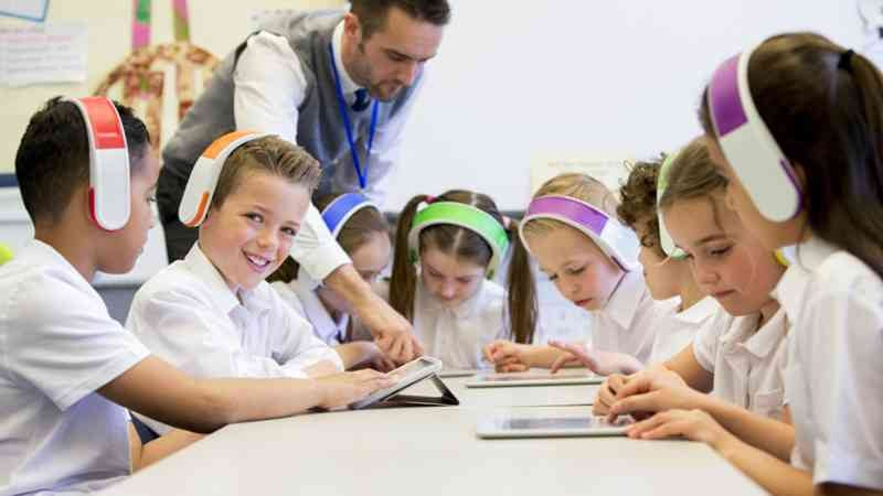 niños trabajando las Inteligencias múltiples en el aula