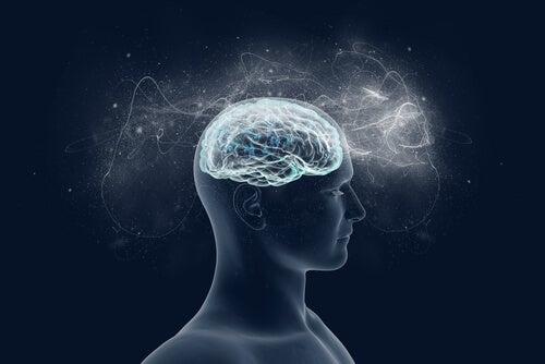Cerebro iluminando la mente de una persona simbolizando el efecto de la memoria traumática