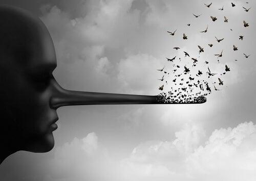 Hay dos cosas insoportables: la mentira y la falsedad