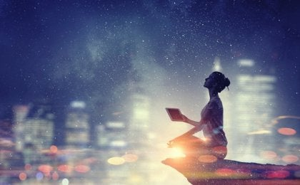 La conexión entre la física cuántica y la espiritualidad según el Dalai Lama