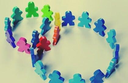 5 frases de Albert Bandura sobre el aprendizaje social