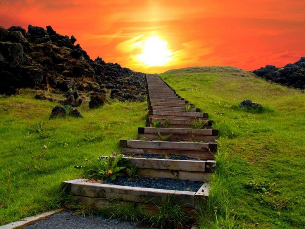 Camino de escaleras para representar como se puede entrenar la atención