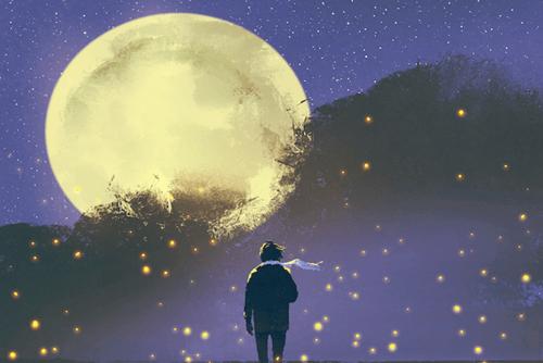 chico ante luna pensando en seguir adelante