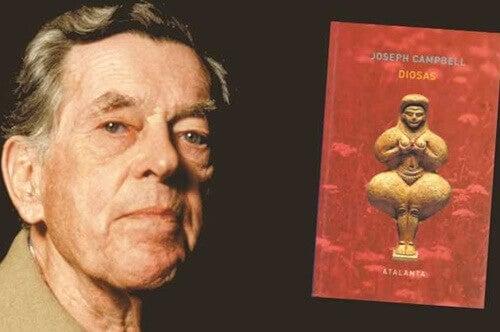 Joseph Campbell con un libro