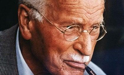 Carl Jung: biografía del padre de la psicología profunda