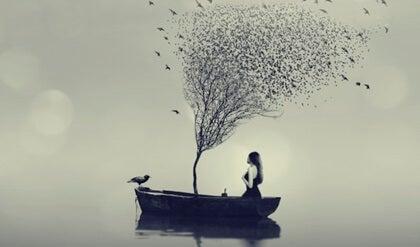 Mujer en barco simbolizando cuando caemos de nuevo en la depresión