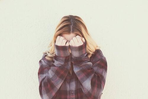 La vergüenza, la emoción que no deja ser