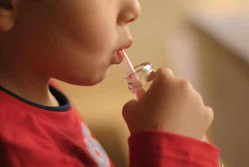 El vínculo entre los refrescos y la agresión en los niños