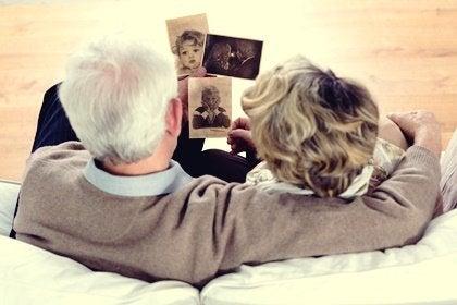 Terapia de reminiscencia: recuerdos y emociones que curan