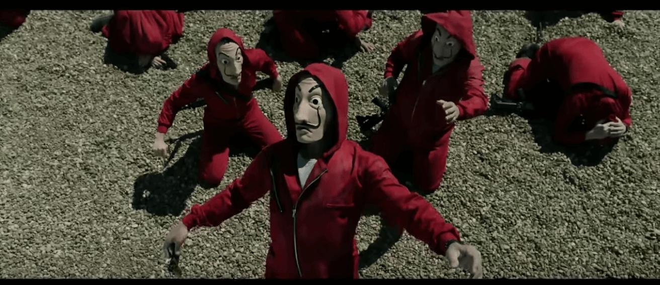 Personajes de la casa de papel con la máscara de Dalí