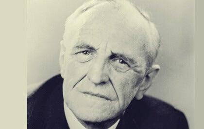 Donald Woods Winnicott, biografía del psicoanalista que innovó en pediatría