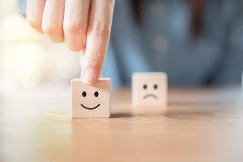Estado de ánimo y juicio: el modelo de infusión del afecto