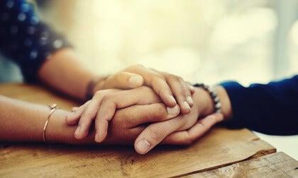 Tocar y ser tocados: mucho más que una necesidad biológica