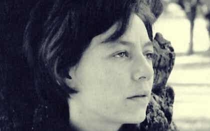 Alejandra Pizarnik, biografía de la última escritora maldita