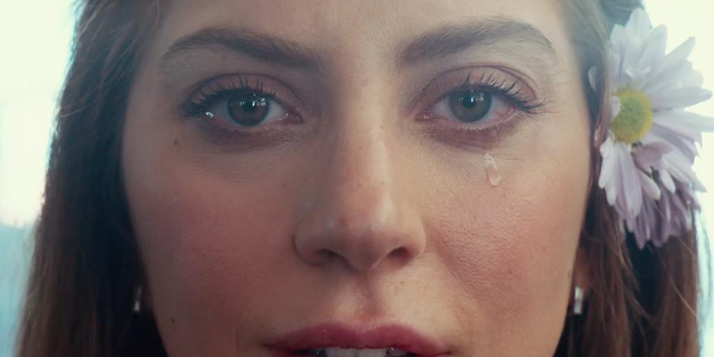 Ally llorando