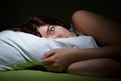 Alucinaciones hipnagógicas y parálisis del sueño
