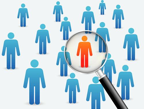 aspirantes intentando superar con éxito una entrevista de trabajo grupal