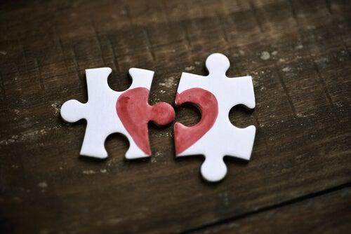5 sentimientos que parecen amor y no lo son
