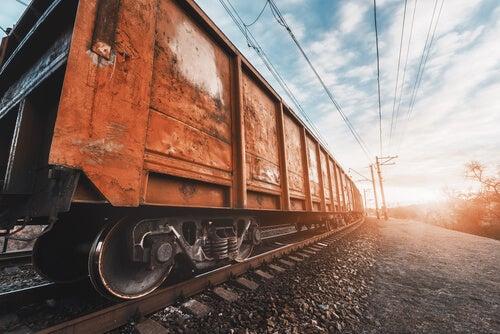 Tren simbolizando el efecto 'wanderlust'