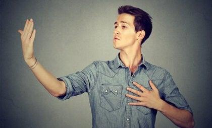 Ultracrepidianos: personas que dan su opinión sin conocimiento