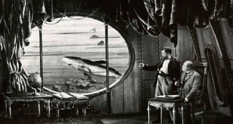 Julio Verne con un submarino