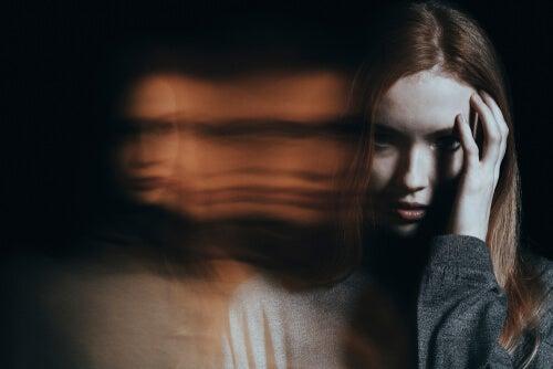 joven para representar a las mujeres psicópatas