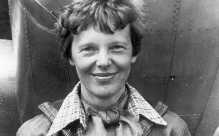 Amelia Earhart: biografía de un símbolo