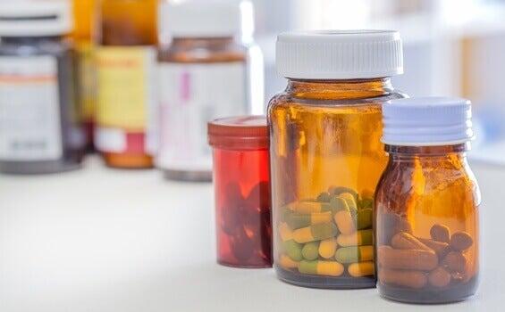 Bote de medicinas