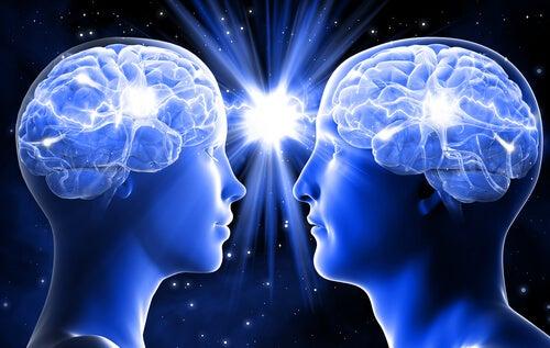 Cómo el contacto visual prepara el cerebro para conectar