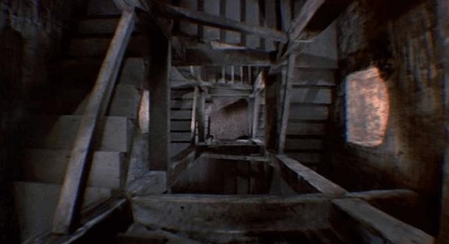 Escaleras hacia abajo