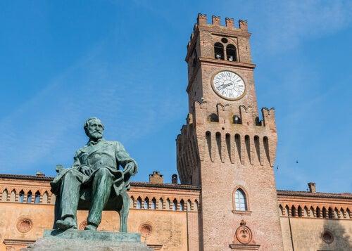 Estatua de Verdi