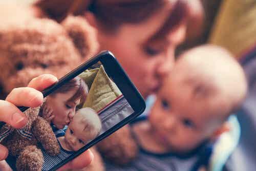 Sharenting, el riesgo de exponer a los hijos en las redes sociales
