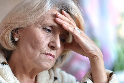 Mujer mayor con depresión