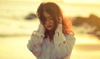 Ambivalencia afectiva: cuando el amor y el odio coexisten en nosotros