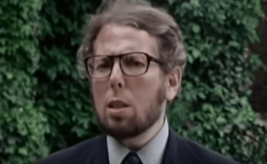 Stanley Milgram: biografía y experimento sobre la obediencia a la autoridad