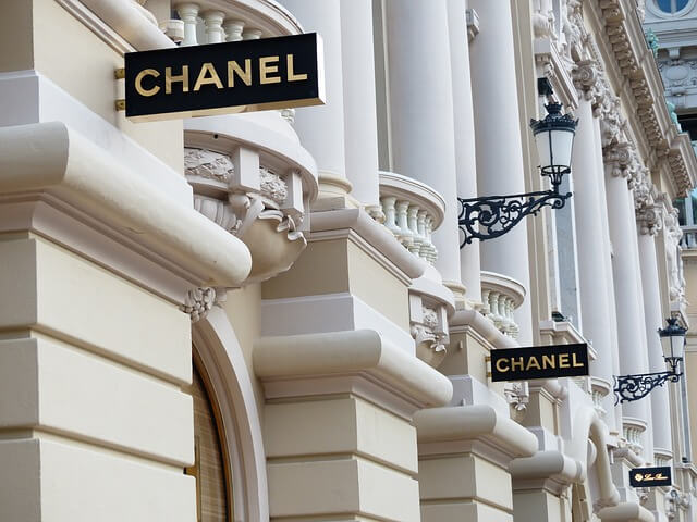 Carteles de Chanel