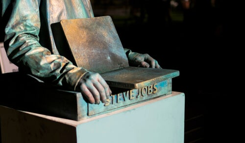 Estatua de Steve Jobs