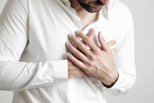 Hombre con cardiofobia