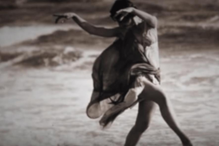 Isadora Duncan bailando