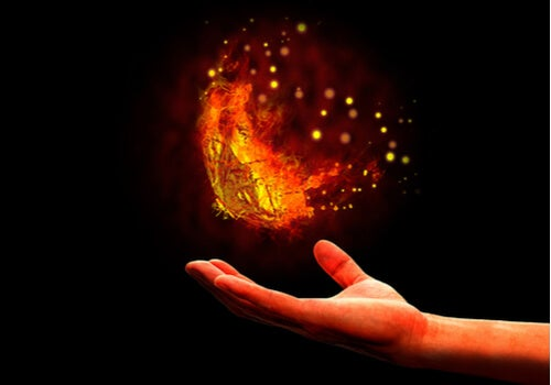 El fenómeno de la mariposa en llama, ¿en qué consiste?