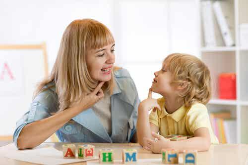 Dislalia: características, tipos y tratamiento